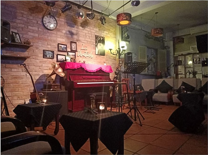 cafe acoustic