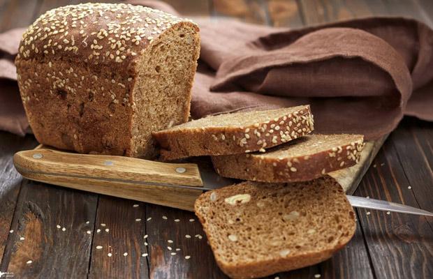 Bánh mì đen nguyên cám, thực phẩm không thể thiếu trong giảm cân