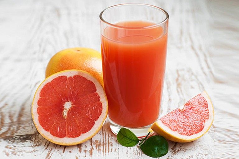 Carbohydrate tự nhiên, vitamin, chất xơ có trong quả bưởi giúp kích thích quá trình đốt cháy chất béo trong cơ thể nhanh chóng hơn
