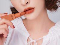 Bắt trend 7 màu son môi nàng không nên bỏ qua