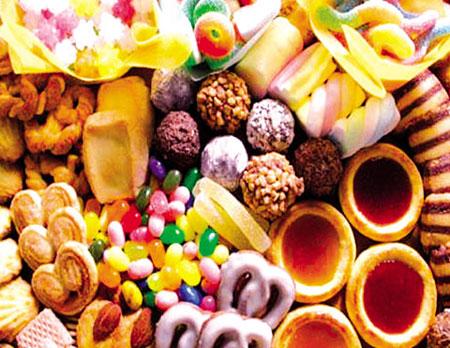 Cân nhắc hạn chế ăn những món đồ ngọt để tránh tăng cân