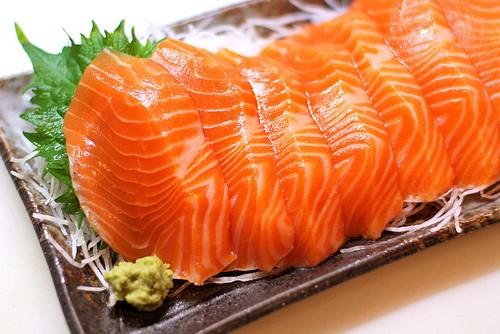 Thịt cá hồi - Thực đơn giảm cân cho mẹ bỉm sữa
