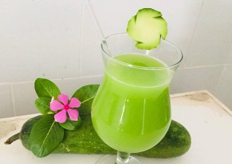 Uống nước ép bí xanh giảm mỡ bụng