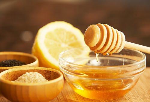 Tác dụng của mật ong với da mặt là gì?