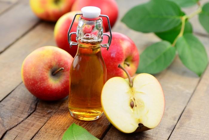 Giấm táo - Cách trị thâm mụn lưng tại nhà siêu dễ