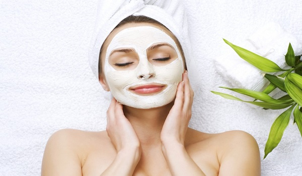 Da khô nên đắp mặt nạ gì để cấp ẩm cho da