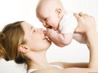 Các cách chăm sóc da mặt sau sinh cho mẹ bầu